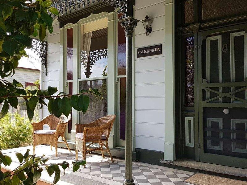 CARNBREA - A Beautiful Historic Family Home in central Queenscilff., location de vacances à Queenscliff