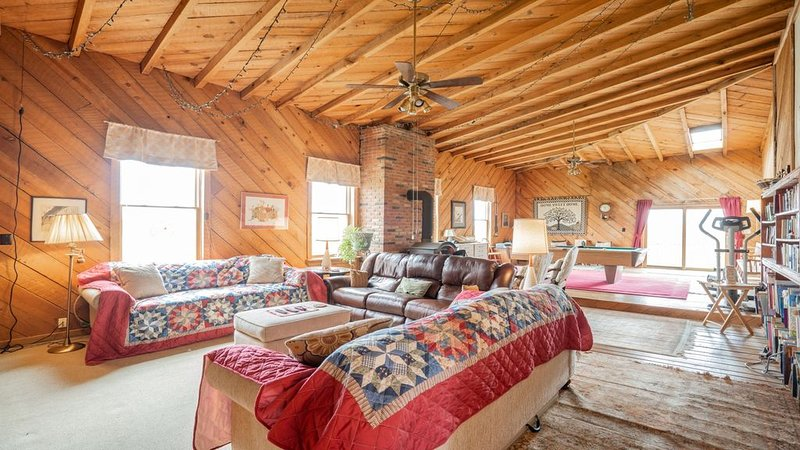 Big Family Lodge near ARK Sleeps 16, vacation rental in Williamstown