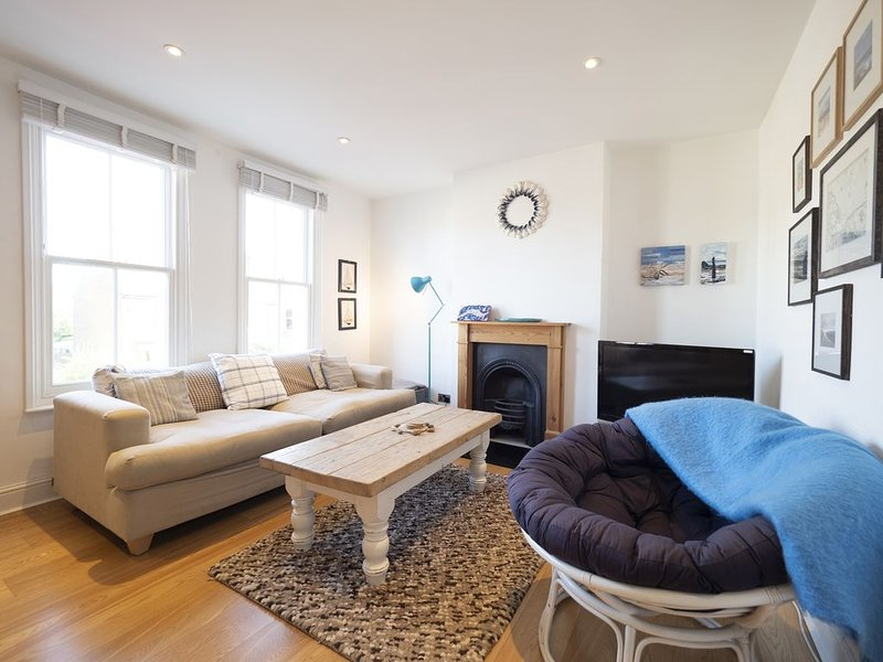 Sail Away -  2 bedroom apartment near the beach, vacation rental in Whitstable