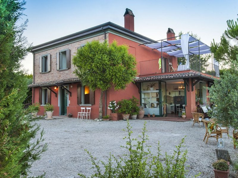 Serene Holiday Home in San Giovanni with Garden, vacation rental in San Giovanni in Marignano