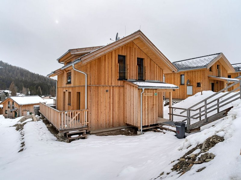 Deluxe Holiday Home in Hohentauern with Jacuzzi, holiday rental in Sankt Gallen