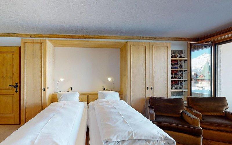 Zentral gelegenes Studio mit Parkplatz in St. Moritz-Dorf, location de vacances à St. Moritz