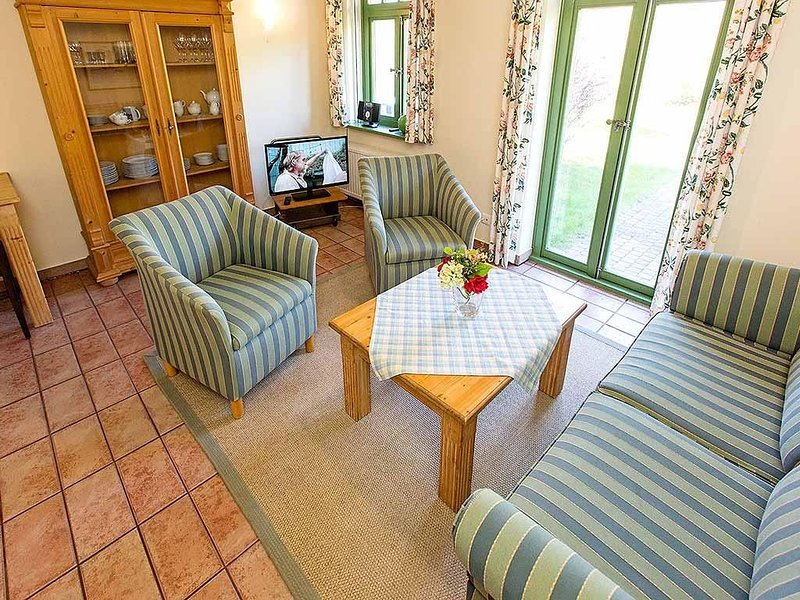 Reihenmittelhaus Küstenhof 1b im Ostseebad Wustrow, holiday rental in Saal