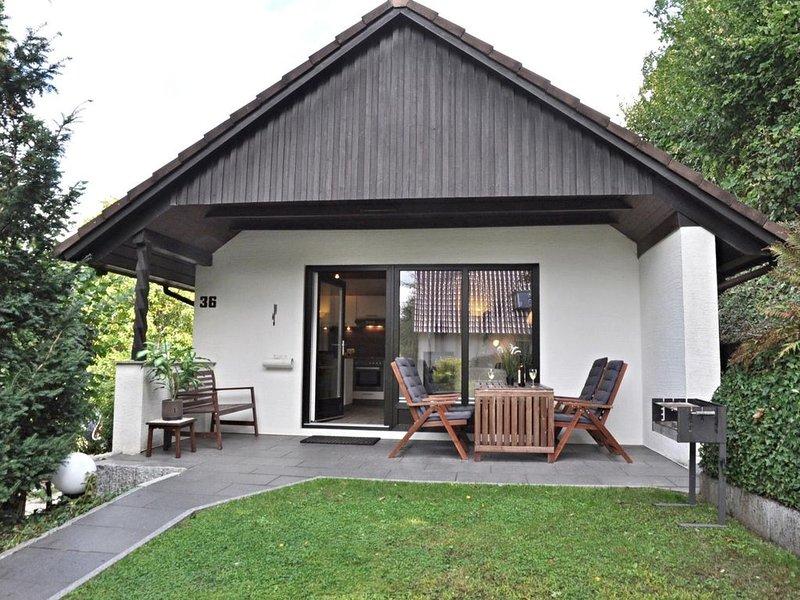 Kleines Ferienhaus in strandnaher Lage, holiday rental in Laboe
