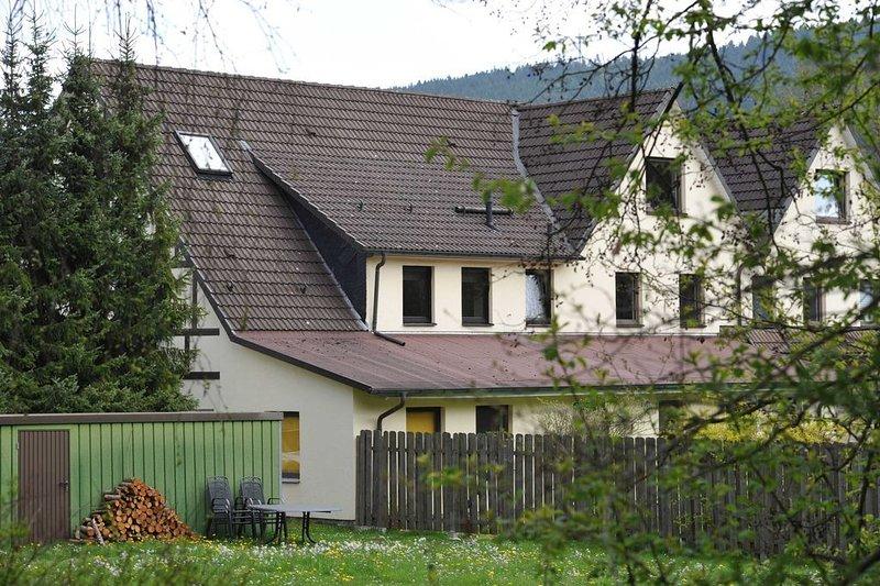 Modernes Apartment (84 qm) mit 2 Schlafzimmer und ein Wohn-/Schlafraum, holiday rental in Elkeringhausen