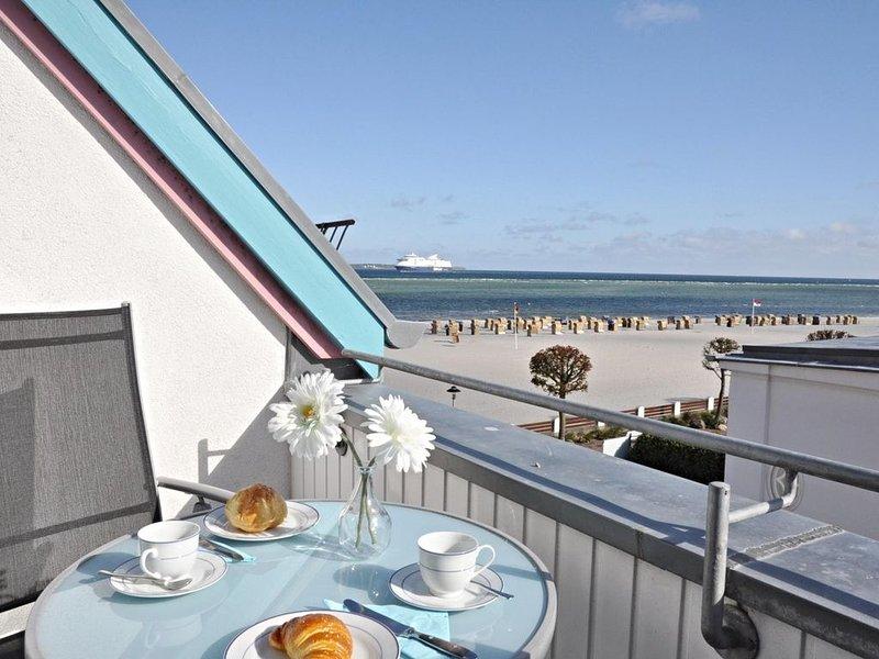 Erste Strandlage mit schönem Ostseeblick, holiday rental in Laboe