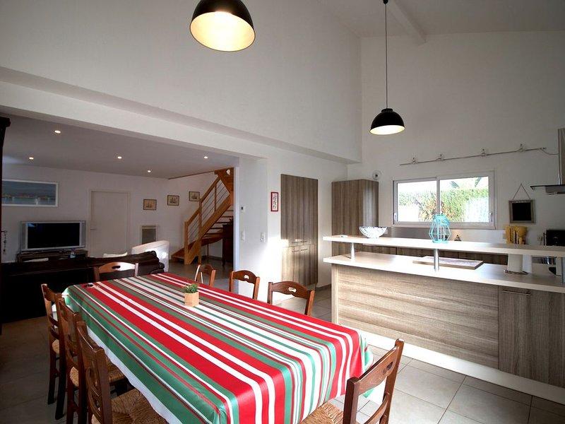 MAGNIFIQUE MAISON AVEC JARDIN - BIDART 5MIN PLAGE, vacation rental in Ahetze