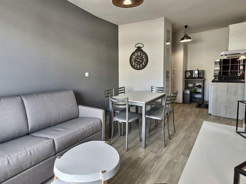 Charmant appartement T2 pour 4 personnes + 1 bébé. A205, holiday rental in Serignan