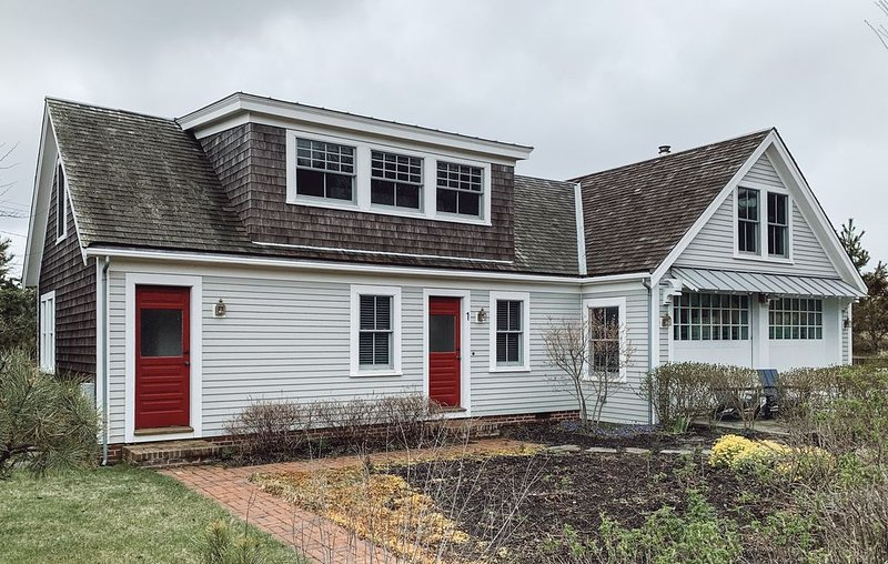 Stunning 3 bed/2 Bath, 1 minute from the Beach, location de vacances à Provincetown