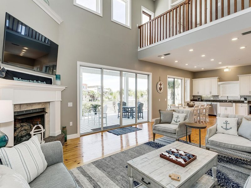 Gorgeous LARGE, Recently Renovated PRIVATE HOME in Gated Beach Community., vacation rental in Navarre