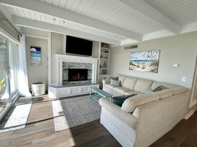 Boyne City lakefront condo with a view, holiday rental in Walloon Lake