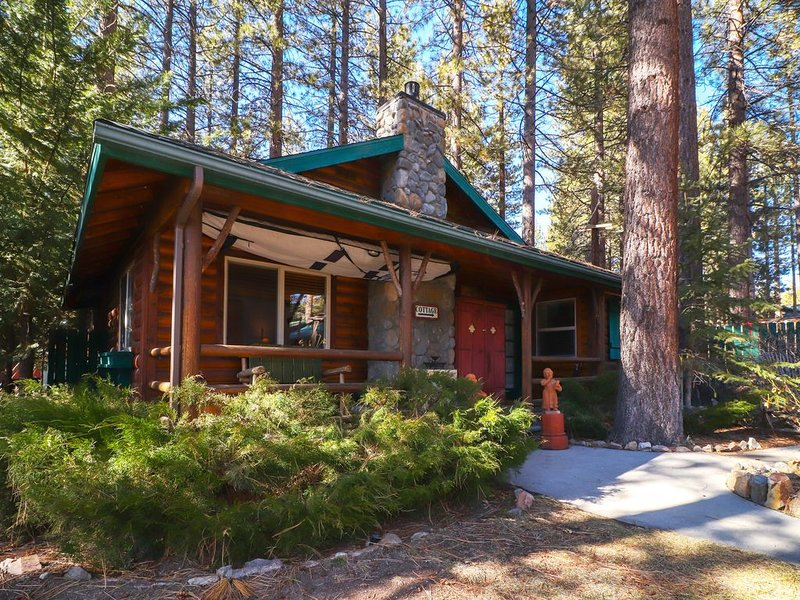 Lakeview Fawnskin Cottage, holiday rental in Big Bear Region