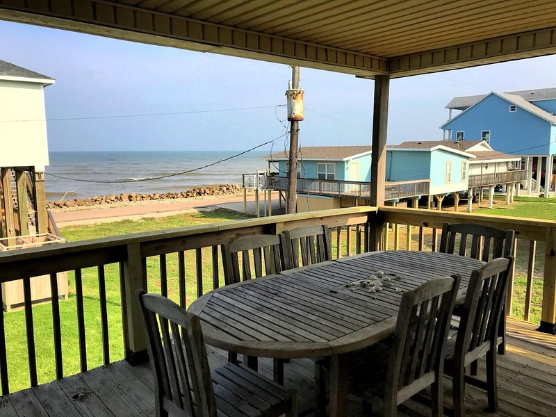 The Breezeway - Sweeping Ocean Views and Spectacular Surf Sounds!, location de vacances à Freeport