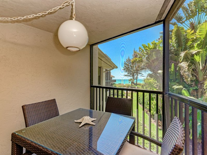 Sea Grape Inn #7-Beautiful BEACHVIEW property, steps from ocean., holiday rental in Longboat Key