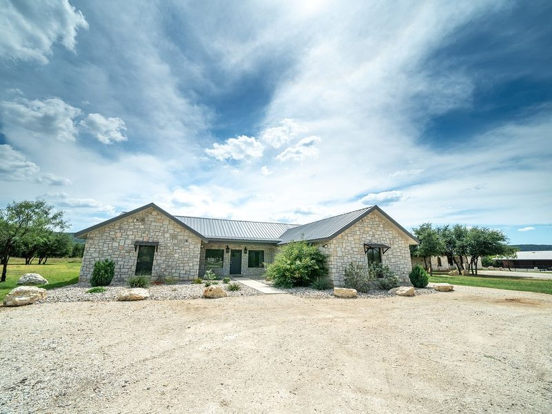 Rio Blessings on the Frio!, holiday rental in Concan