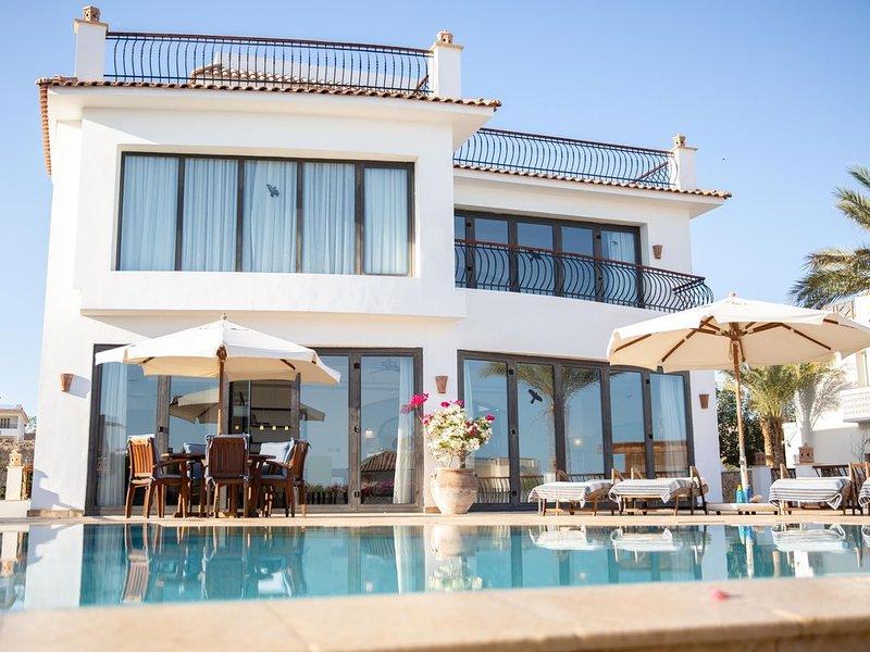 Villa Montazah, luxury beach side villa in Sharm el Sheikh, vacation rental in Sharm El Sheikh