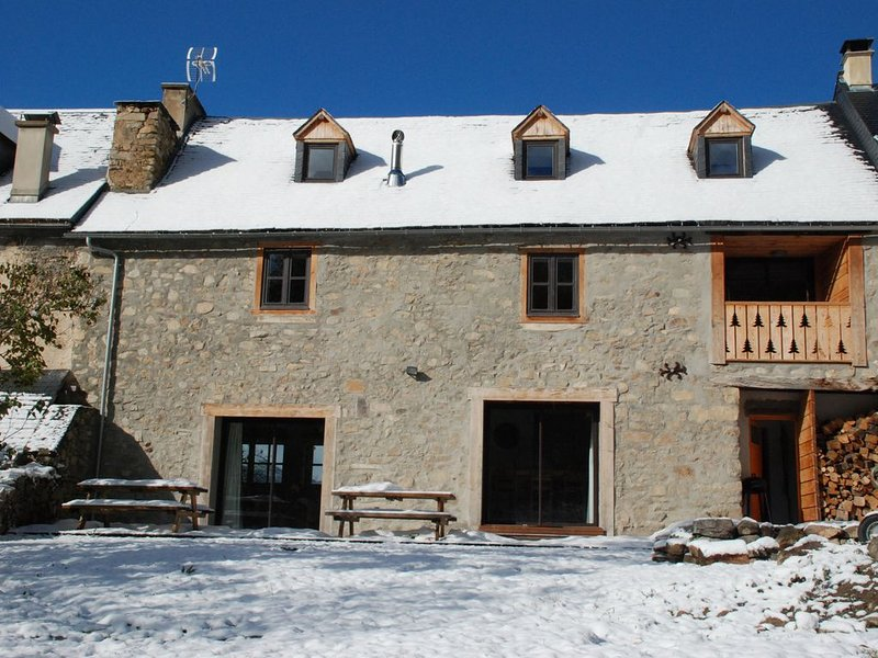 CHALET 10 pers PYRENEES loudenvielle BALNEA vallée du Louron, holiday rental in Gouaux