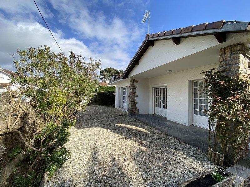 Maison 7 couchages et jardin à 150 m de la plage, holiday rental in Saille