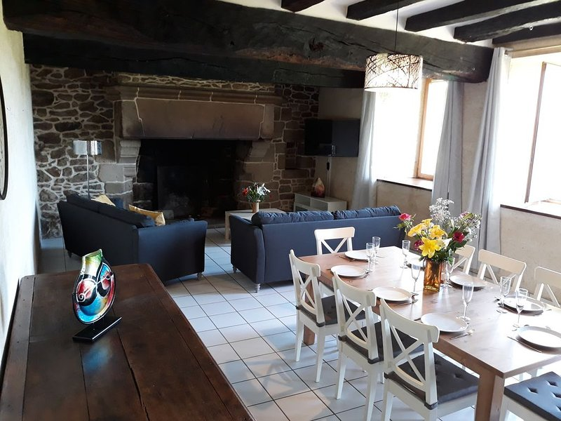 Charmante maison bretonne avec tout le confort, vacation rental in Plesidy