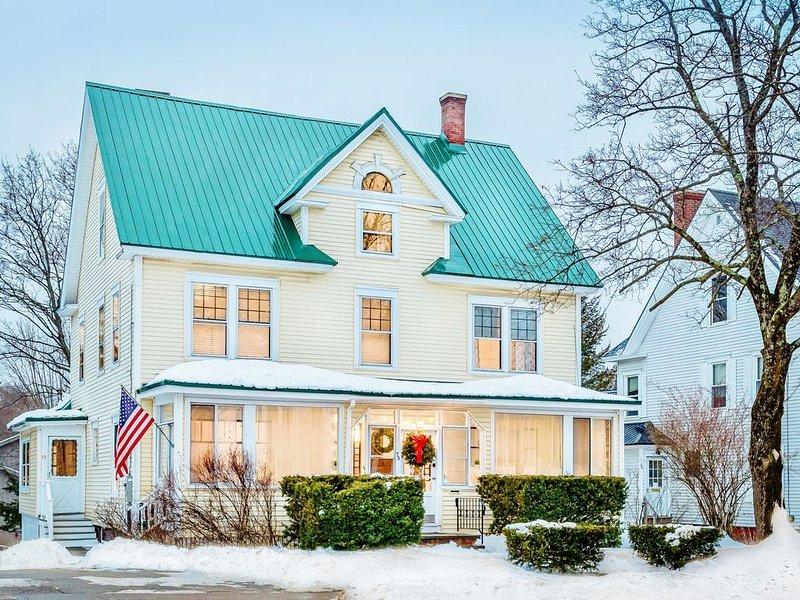 Historic 4 Bedrm New England Retreat - Near Gunstock & Lake Winnipesaukee, location de vacances à Sanbornton