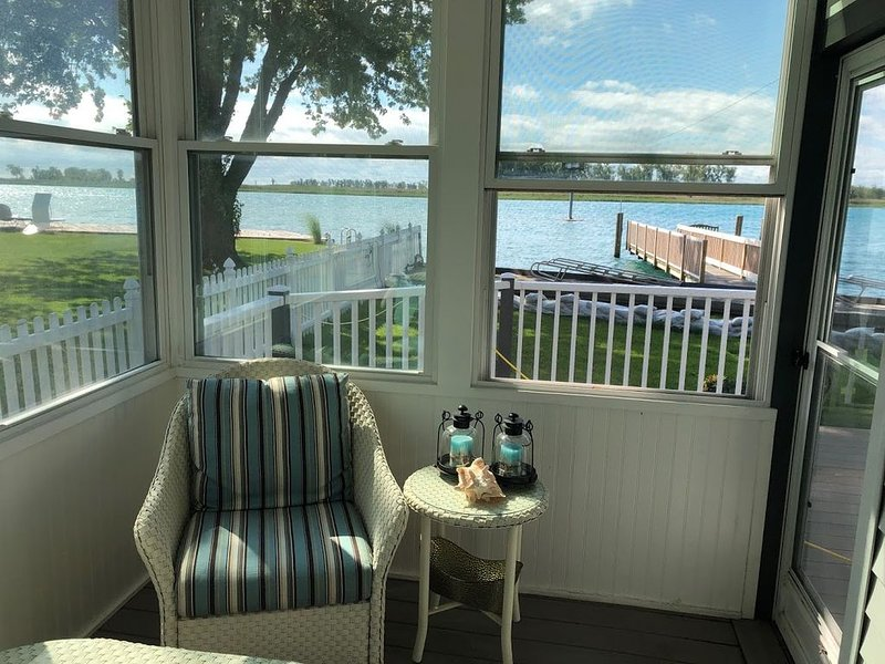 Cozy Harsens Island Home, holiday rental in Sombra