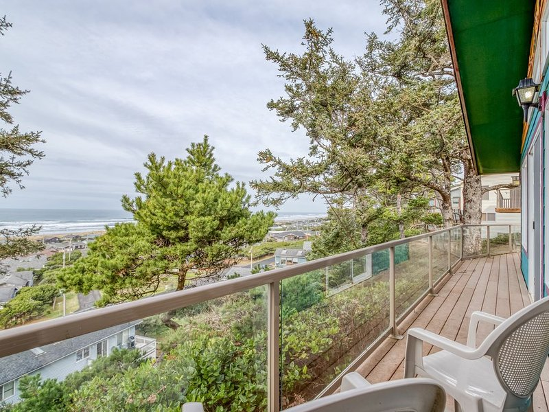 Spectacular Views of Waldport Beach from This Artful Single-Level, vacation rental in Waldport