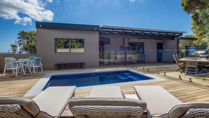 Amazing Views, Pool, Walks and memorable holidays, vacation rental in McCrae