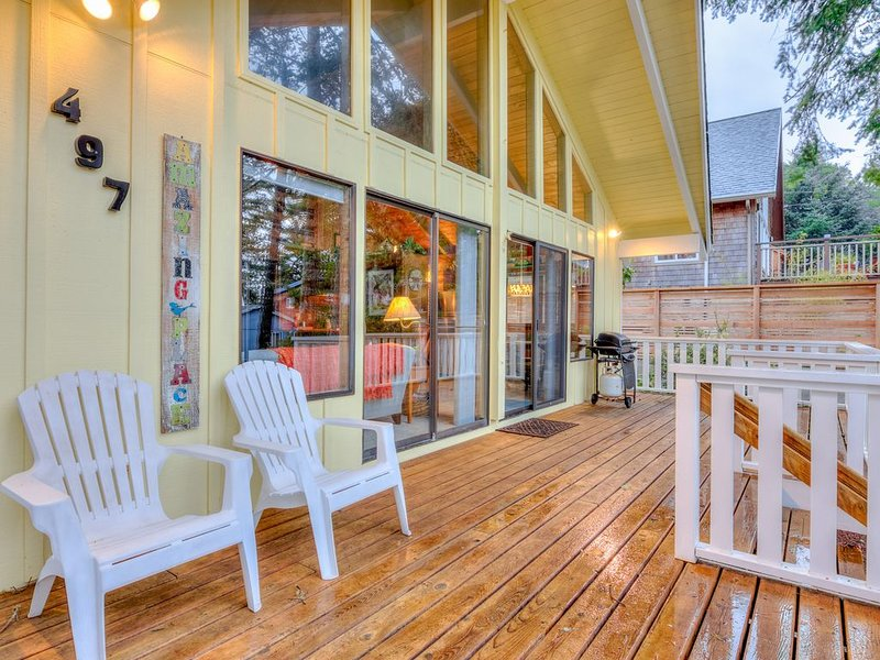 Two-Bedroom Manzanita Chalet with Sleeping Loft is a Stroll to the Beach, vacation rental in Manzanita