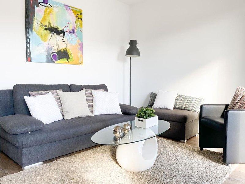 Nienhüs 5  -hochwertig mit Südbalkon in toller Lage ganz nah am Strand & Hafen-, vacation rental in Timmendorfer Strand