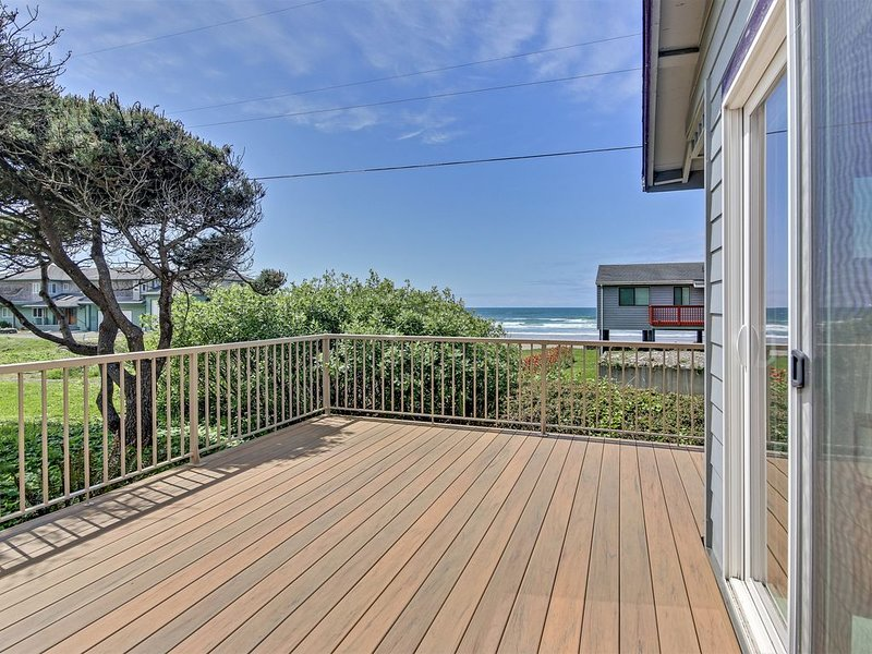 Open Ocean Views from this Great Home with Special Touches!, location de vacances à Yachats