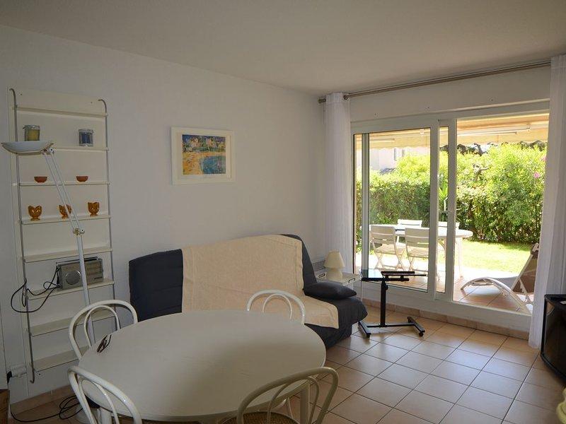 APP 2 pièces au Sud La Ciotat, Côte d'Azur, Garage privatif fermé, Plage à 200m., location de vacances à La Ciotat