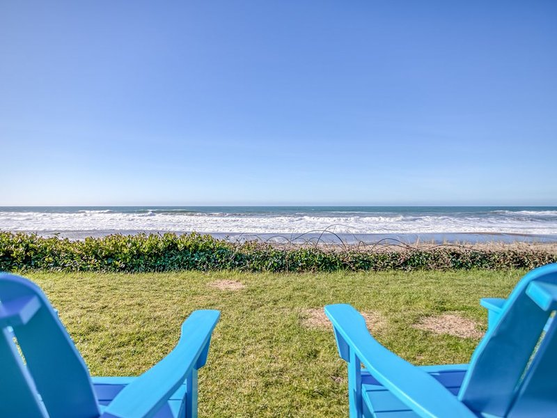 Private Beach Access, Panoramic Views and Spacious Rooms Set This Home Apart!, holiday rental in Depoe Bay