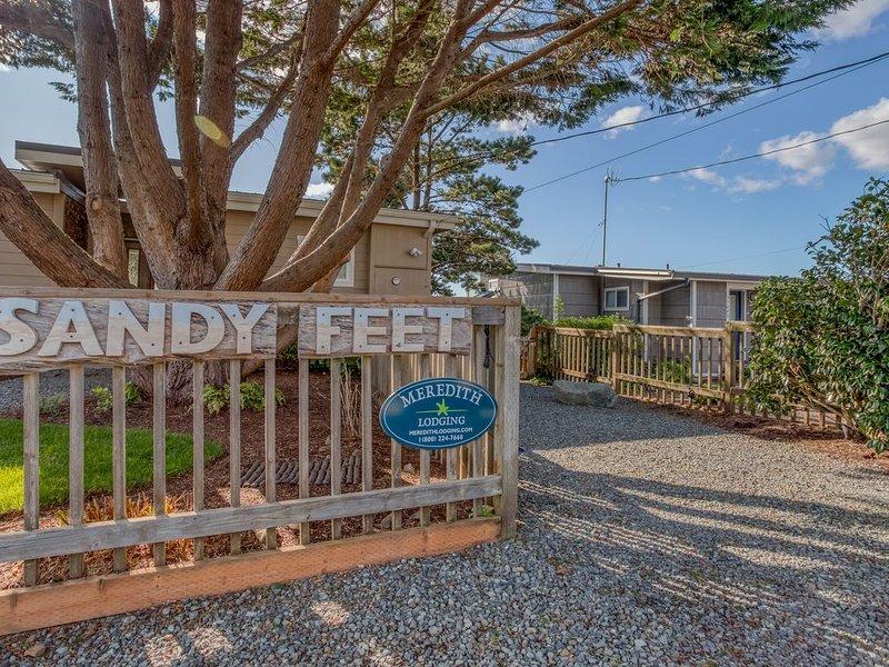 Adorable, Stylish Manzanita Haven is Two Blocks from the Beach!, alquiler de vacaciones en Nehalem