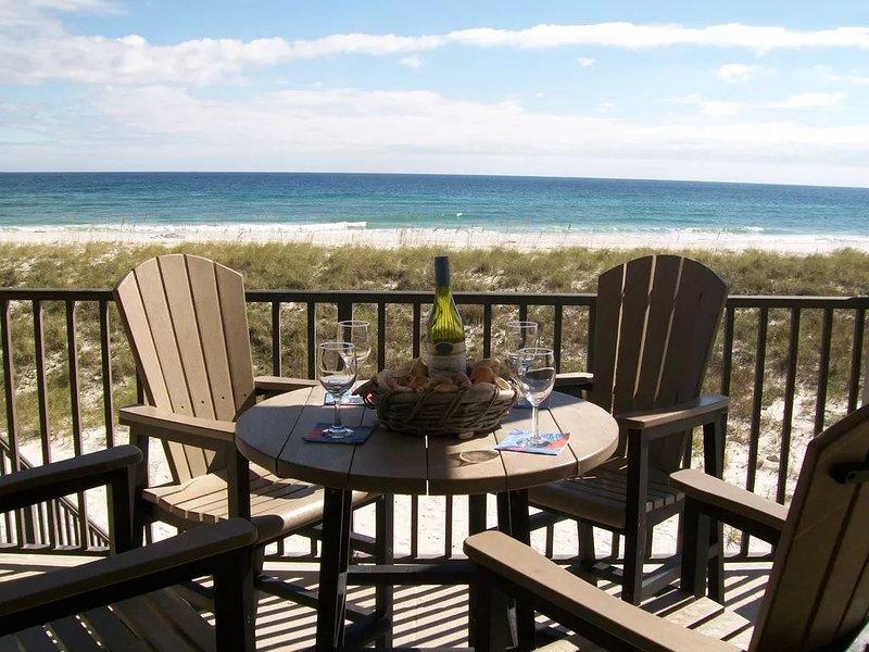 Gorgeous Gulf front Get-away end unit townhome, alquiler de vacaciones en Navarre