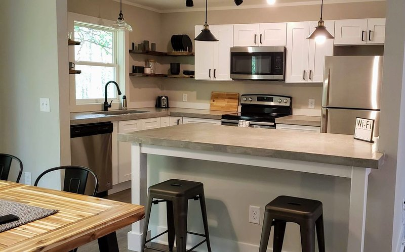 In the heart of Southern Pines & Pinehurst!, holiday rental in Pinebluff