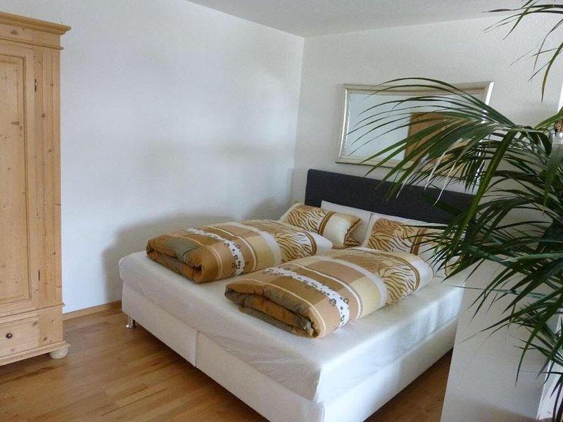 Ferienwohnung Magnolie, 57qm, 1 Wohn-/Schlafzimmer, max. 3 Personen, casa vacanza a Überlingen