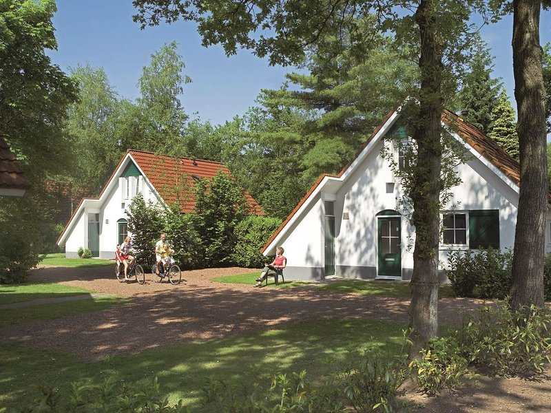 Komfort 6-Personen-Ferienhaus im Ferienpark Landal Landgoed De Elsgraven, vacation rental in Hengelo