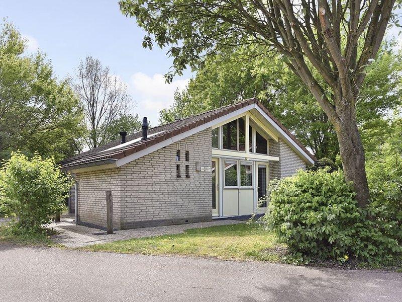 Komfort 6-Personen-Ferienhaus im Ferienpark Landal Stroombroek, vacation rental in Doetinchem