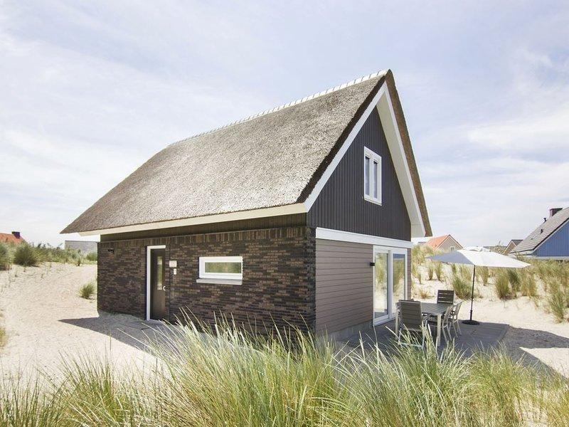 Komfort 6-Personen-Villa im Ferienpark Landal Strand Resort Ouddorp Duin, holiday rental in Goedereede