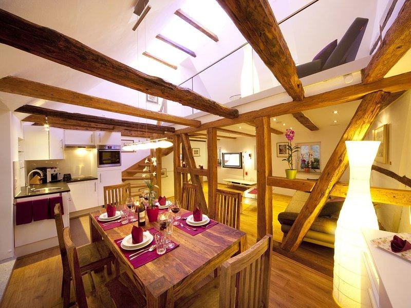 Gemütliches Feriendomizil mit Whirlwanne und Balkon, location de vacances à Windelsbach