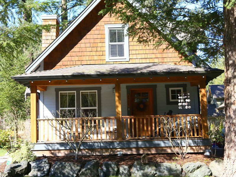 Your Cozy Little Cottage, holiday rental in Lake Errock