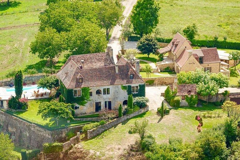 Le Prieure Esperance Estate at Nouvelle-Aquitaine, vacation rental in Milhac