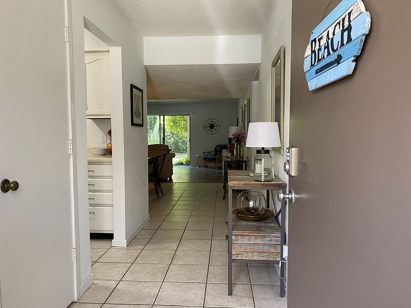 Bright, Spacious, Well-Appointed, Short Walk to Beach, Restaurants, and Shops, holiday rental in Hilton Head