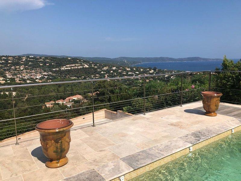 villa calme, au charme  provençal, avec une grande terrasse et  une piscine, holiday rental in Cavalaire-Sur-Mer