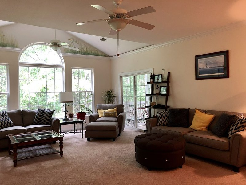 Close to everything beautiful Mount Pleasant has to offer, vacation rental in Wando
