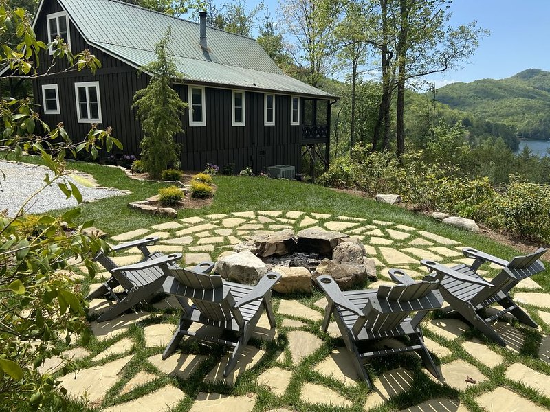 Timpson Overlook Cottage, holiday rental in Clayton