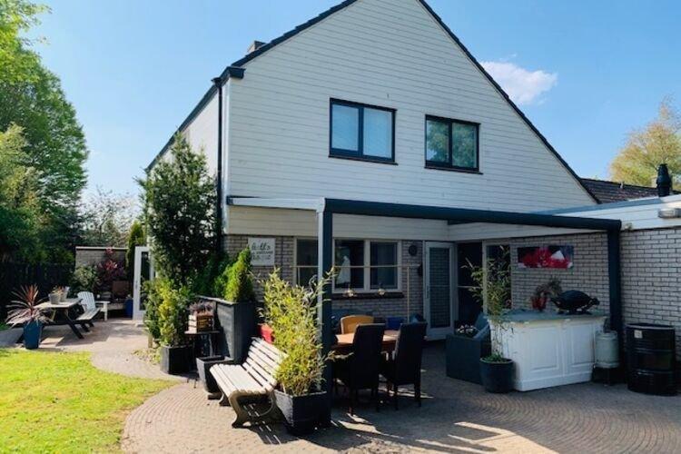 Comfortable villa with sauna in the most beautiful area of Overijssel, vacation rental in Overijssel Province