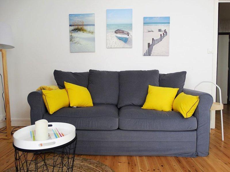 Appartement cocooning dans le vieux St Gilles, holiday rental in Le Fenouiller