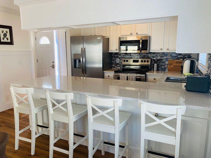 New listing discount! Balconies with Ocean Views!, alquiler vacacional en Jacksonville Beach