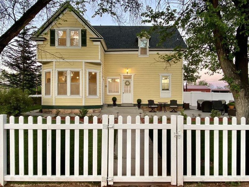 Historic Southern Elm - 4 BD/4BA Home, Sleeps 9, vacation rental in Kanab